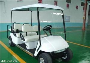 宝雅白色6人座电动高尔夫车