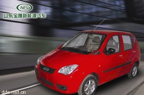 宝雅红色款时尚电动汽车