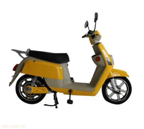 蓄电池  电池:12 ah 电压:48 v 电机功率:350 w 浏览电动摩托车品牌