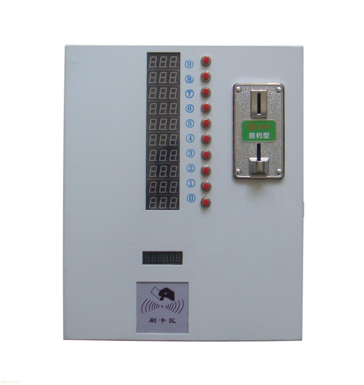 四、性能特点: 1、一机多控,即一台控制器可以分别控制10个插座的通断电时间。 2、用户可自主设定单位币数的通电时间,1-999分钟可调。 3、每路可单独设置单位充电时间,适用于小区的固定车位的不同车型的单位充电时间。 4、LED数码管倒计时显示,时间到了自动断电。 5、设有保护电路,具有过载和短路保护功能。 6、安装使用方便,无需专人值守和看管。 7、具有改错功能,如用户不小心选错按键可在3秒内改动。 8、电子计数,及时对收益了如指掌,更方便合作式经营管理。 9、智能CPU识币系统,防钓币、防伪币、防电