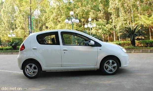 吉利熊猫电动汽车高清图片
