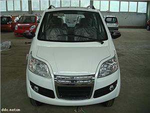 白色A2款电动汽车