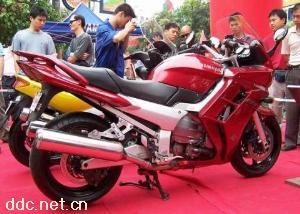 雅马哈FJR1300大排量摩托车