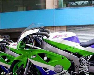 川崎ZXR400摩托车