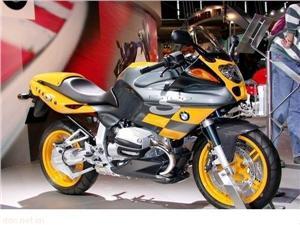 宝马R1100S摩托车