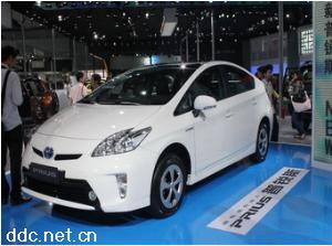 丰田电动汽车普锐斯Ⅲ标准版