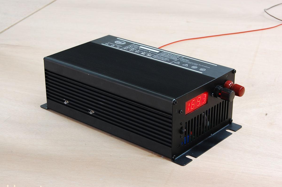 ... 车网 > 产品中心 > 充电器 > 广州72V10A锂电池充电器