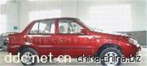 依天德瑞时尚红色款电动汽车
