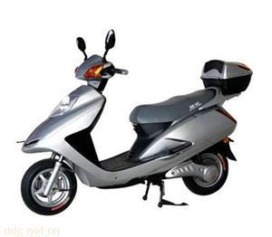 48V800W追梦银色电动摩托车