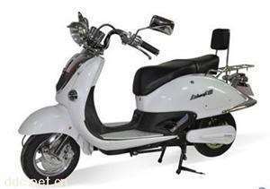 广州大龟王白色豪华电动摩托车