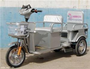 永久载人代步两用电动三轮车