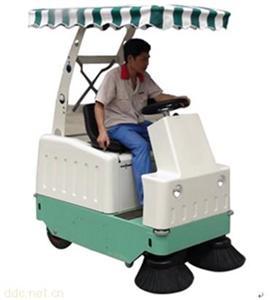 郑州凯泰电动清扫吸尘车