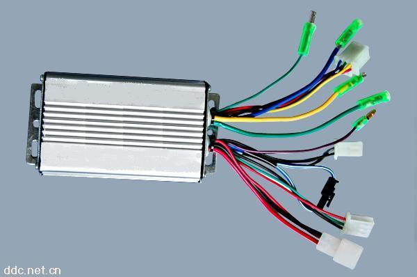 基于开关磁阻电机的电动车控制器设计