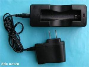 供应常州华科3.7V60mAh锂电池座槽式充电器