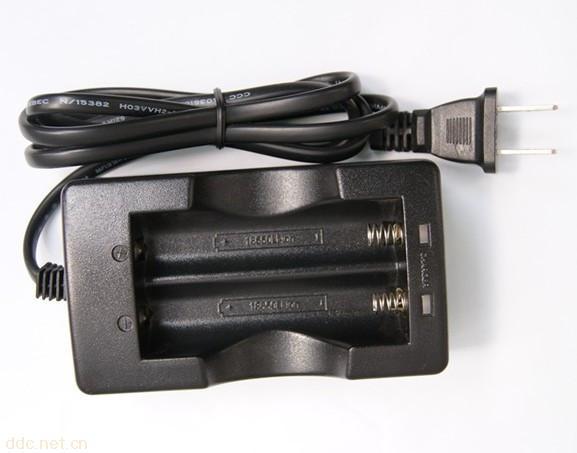 供应常州华科多节锂电池座槽充电器图片