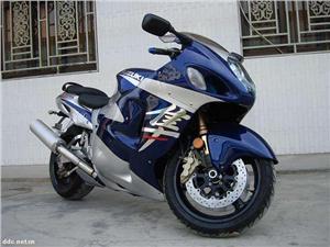 铃木GSX1300隼摩托车