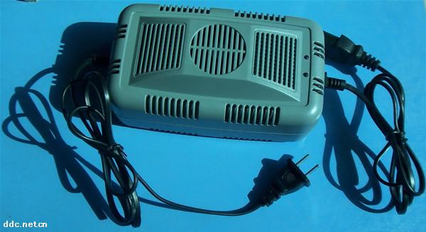 双能达充电器06