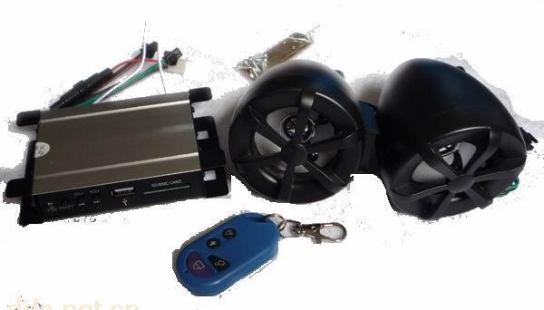 防盗型车载MP3是全新一代数码设备,支持遥控和防盗功能,MP3支持SD存储卡和可移动U盘。采用高保真立体声设计,带给你全新的音乐聆听体验。 便捷的多功能按键使用起来得心应手;全铝合金机身,质感卓越;具有循环播放音乐、断电后音量和当前音乐记忆功能,还带FM收音功能。 12伏电压供电,可以插SD卡/MMC/TF卡,USB盘, 不听歌曲的时候可以当车辆防盗器使用,音质好。